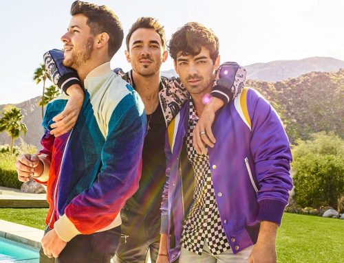 Jonas Brothers Put Their Own Spin on 'Friends' Opening to Celebrate Sitcom's 25th Anniversary: Watch