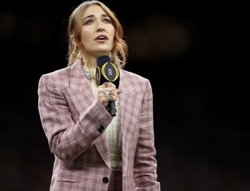 Watch Lauren Daigle's Moving National Anthem Performance at the College Football National Playoff