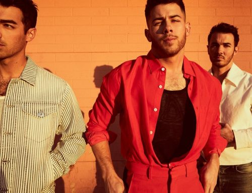 Jonas Brothers Go Day Drinking With Seth Meyers, Write a Filthy Five Minute Pop Song