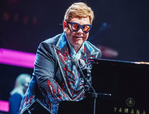 Elton John Vows to Finish Australia/ New Zealand Tour After Illness