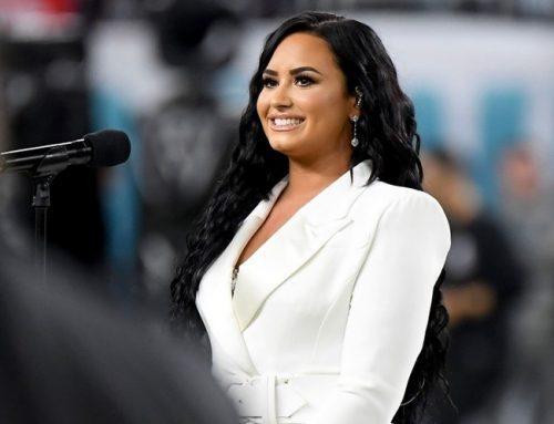 Demi Lovato Recalls Growing Up With Miley, Selena and the JoBros at 'Disney High'