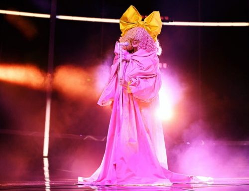 Sia Delivers 'Courage to Change' at the 2020 Billboard Music Awards