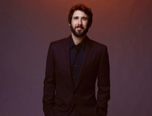 Josh Groban Brings a Christmas Vibe to 'The Tonight Show' With 'World We Knew'