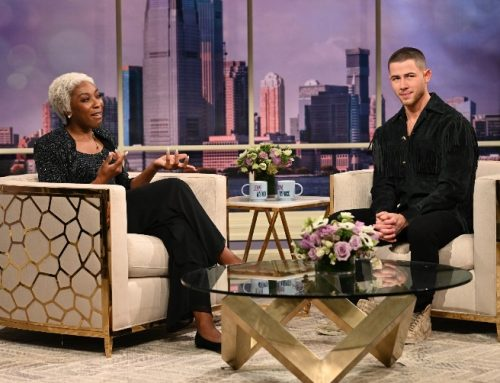 Dionne Warwick Has Some Raunchy Questions for Nick Jonas on 'Saturday Night Live'