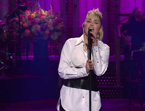 Miley Cyrus Covers Dolly Parton in Moving 'SNL' Mother's Day Tribute, Performs With The Kid LAROI